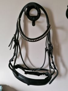 Bride dressage bridle2fit frontal pierre swarovski