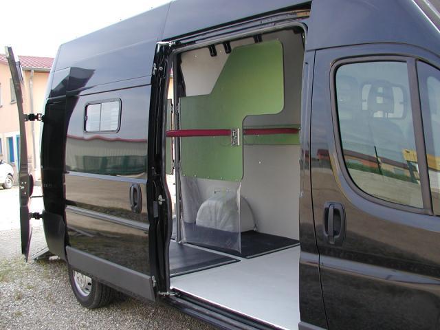 am nagement monte arri re peugeot boxer l3h3 166196 acheter ce camion equirodi france. Black Bedroom Furniture Sets. Home Design Ideas