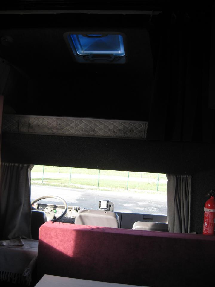 camion mercedes pour 3 chevaux  261596