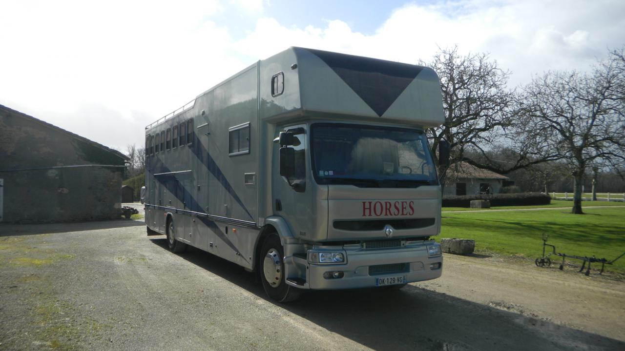 camion paillard 8 places 264387 acheter ce camion equirodi france. Black Bedroom Furniture Sets. Home Design Ideas